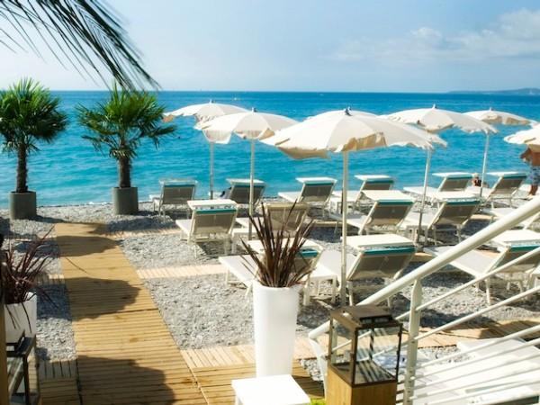Private beach french riviera book your private beach for Carre bleu